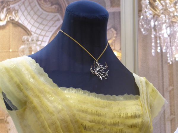 beauty-and-the-beast-belle-necklace